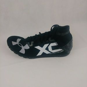 Under Armour Size 13 Charged Bandit XC Spikeless